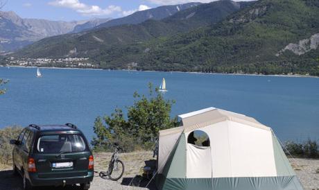 Staanplaats Uitzicht op het meer Serre-Ponçon