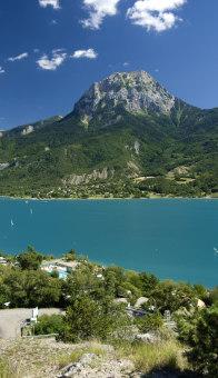 Rest by lac de serre-ponçon