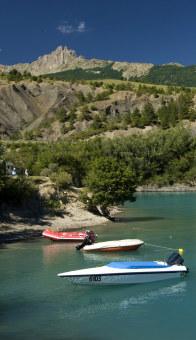 Boten op het meer van serre-ponçon