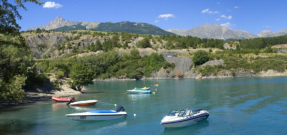 Camping Le Nautic sur les rives du lac de Serre-Ponçon